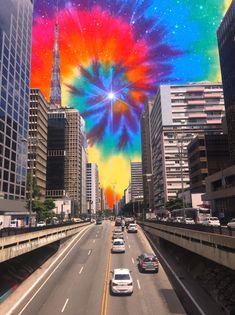 Registro de um passeio pela Avenida Paulista City Vibe, Trippy, Psychedelic, Times Square, Travel, Sidewalk, Sao Paulo, Viajes, Traveling