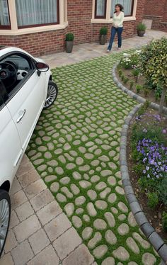 13 Elegant and Awe-Inspiring Driveway Paving Ideas Paver driveway design ideas, landscape & hardscape applications. Permeable Driveway, Driveway Landscaping, Modern Landscaping, Driveways, Backyard Pavers, Asphalt Driveway, Walkways, Landscaping Ideas, Landscaping Software
