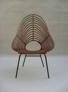 | chair . Stuhl .  chaise | Design: Eero Saarinen |