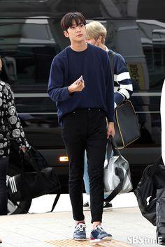 Korean Fashion Men, Boy Fashion, Mens Fashion, Asian Actors, Korean Actors, Korean Outfits, Korean Ootd, Stylish Mens Outfits, Fashion Figures