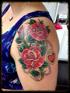 Traditional rose tattoo with pearl necklace and heart pendant. Shoulder Tattoos For Women, Sleeve Tattoos For Women, Tattoos For Women Small, Pearl Tattoo, Necklace Tattoo, Pearl Necklace, Traditional Tattoo Flowers, Traditional Roses, Traditional Tattoos