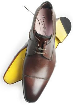 Yellow sole. Floris van Bommel