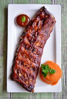 Borda barbecue szósszal Rib Recipes, Whole Food Recipes, Cooking Recipes, Healthy Recipes, In Defense Of Food, Vietnamese Street Food, Food Lab, Pub Food, Barbecue