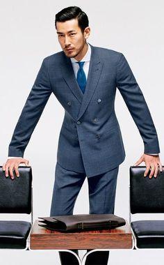 ダブルスーツ着こなしグレーのMore suits, style and fashion for men @ http://www.zeusfactor.com