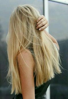 if only my hair were this thick...i would totally try the blunt, no layers look.
