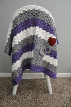 Add a little applique to your crochet baby blankets for a sweet personalized touch
