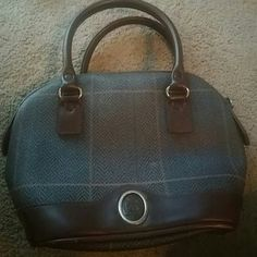 Small vintage bag Cute and vintage purse great condition Liz Claiborne Bags Mini Bags