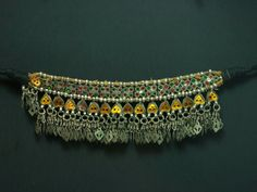 Afghani old silver, gold foil and glass Rajasthani style choker White Gold Jewelry, Gold Foil, Indian Jewelry, Bridal Jewelry, Jewelry Collection, Chokers, Beaded Bracelets, Jewels, Glass