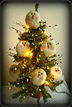 """Primitive Winter!!  18"""" Lighted Pine Tree with SnOwMaN FaCeS!! #Primitive #HomegrownTreasures"""