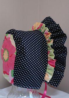 Baby Bonnet-vibrante Floral con blanco y negro lunares