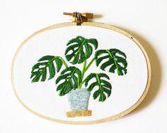 Modern Hoop Art Monstera Plant in Pot Oval por SarahKBenning