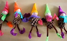 Craft idea - pose-able pine cone gnomes These are made with the pine cone pointing down, the head is attached to the base of the cone.