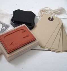 DIY Gift Tag Stamp Bird http://www.buitendelijntjesshop.com/a-21917522/stempels/lollipop-designs-diy-stamp-set-bird