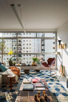Bytu ze 60. let v brazilském São Paulu se dostalo kompletní renovace, na kterou se nemůžeme vynadívat | Living | bydlení | WORN magazine