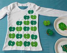 Om blij van te worden: je eigen ontwerp T-shirt stempelen met textielverf en een appeltje. In je favoriete kleuren, voor een extra juicy effect.