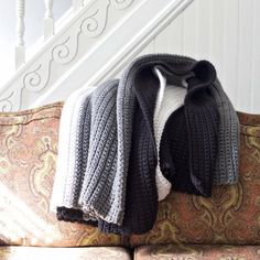 Easy Chunky Crochet Blanket Pattern