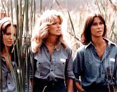 Kelly, Sabrina, and Jill make their escape.