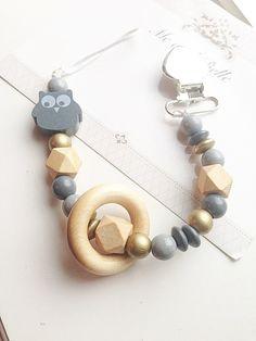 attache-tétine chaine factice perlée accessoires par MeAndBelle00