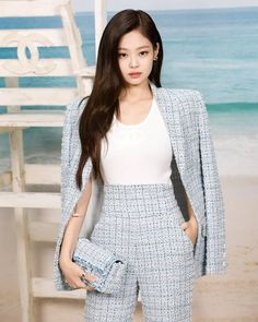 Kang Y/N is the manager of the mysterious hotel owned by Kim Jennie. the hotel lies many secrets and so does the owner. Blackpink Outfits, Kpop Fashion Outfits, Korean Outfits, Classy Outfits, Casual Outfits, Blackpink Fashion, Korean Fashion, Chanel, Jennie Blackpink