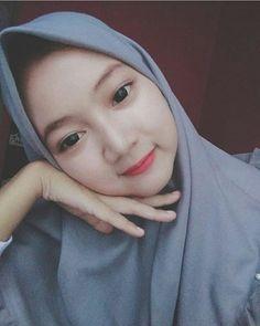 Hijaber Turki: Anggi Beautiful Model of Hijab From Semarang Beautiful Hijab Girl, Beautiful Muslim Women, Beautiful Models, Casual Hijab Outfit, Ootd Hijab, Hijab Chic, Hijabi Girl, Girl Hijab, Funeral Expenses