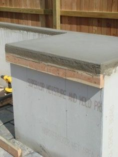 DIY concrete counter-tops…best tutorial for this I have seen