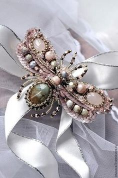 Beaded insect jewelry - wow!