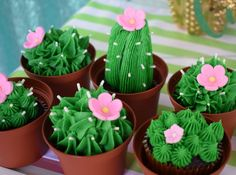 Kaktus Cupcakes, Succulent Cupcakes, Diy Cupcake, Cupcake Cakes, Cupcake Toppers, Vintage Cupcake, Rose Cupcake, Mexican Cupcakes, Cowboy Cupcakes