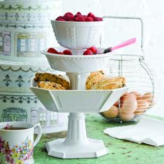 tiered serving bowls
