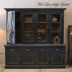 Buffetkast Claudia Old Black - Met Landelijk Label Black Furniture, Hand Painted Furniture, Furniture Decor, Furniture Restoration, Country Decor, China Cabinet, Game Room, Kitchen Decor, Storage
