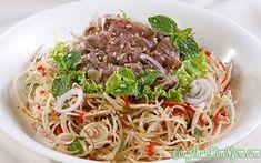 Công thức làm món gỏi bắp bò hoa chuối Vietnamese Cuisine, Vietnamese Recipes, Goi Recipe, Popular Recipes, Popular Food, Saveur, Food Lists, Food Plating, Veggie Recipes