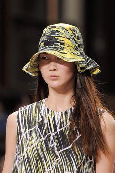 +++ Kenzo + Spring / Summer 2014 +++ www.facebook.com/fashionISAZA @isazaalejandro @kenzoparis_hq #fashion #moda #verano2014 #fashionweek #paris #kenzo #pfw #ss2014 #spring2014 #summer2014