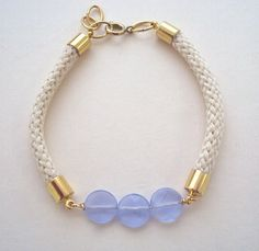 Rope Bracelet with purple beads  nautical por ABoxForMyTreasure, €20.00