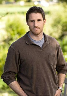 On Parenthood, Joel Graham is my favorite character.  The only one in the extended family who gets things done and can handle his high-strung wife.  I need a Joel in my life, yesterday!