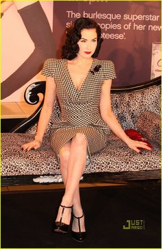 Dita Von Teese Does A Little Stripteese: Photo Dita Von Tesse meets with fans and signs copies of her latest book Dita Von Teese Style, Fifties Fashion, Collar And Cuff, Modern Fashion, Most Beautiful Women, Houndstooth, Her Style, Girl Crushes, Everyday Fashion