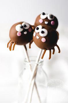 ✔️chocolate spider cake pops