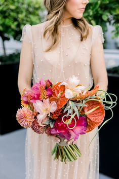 With Los Angeles in the background, this sunny and vibrant wedding at The London Hotel West Hollywood is the perfect summer wedding inspiration Wedding Dress Topper, Sheer Wedding Dress, Wedding Dresses, Wedding Flowers, Tulle Wedding, Summer Wedding Decorations, Summer Wedding Outfits, Chic Wedding, Wedding Styles