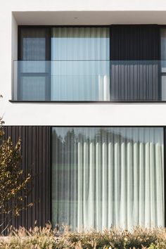 Unicus Blackout - Geens by Woodstoxx via Wooden Facade, Experience Center, Prefab, Residential Architecture, Minimalist Home, Blinds, Minimalism, Home And Family, Exterior