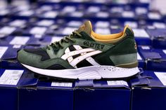 The Asics September collection will feature a series of autumnal drops. On the menu is the Winter Trail Pack. Composed of the Gel Saga and Gel Lyte V, the New Sneaker Releases, Adidas Shoes Outlet, New Trainers, Asics Gel Lyte, Site Nike, Sneaker Magazine, New Sneakers, Casual Shoes, Kicks