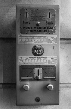 Postimerkkiautomaatti (KUVA: Ari-Veikko Peltonen / IS)