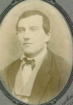 Charles Philip Ingalls ...¡Sin barba! Y ni así se parece a Michael Landon...Jajaja
