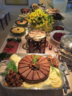 Brunch Mesa, Wedding Finger Foods, Cheese Table, Luxury Food, Party Time, Table Settings, Dining Table, Beef, Entertaining