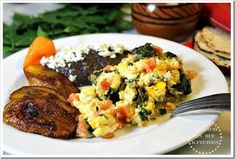 """Scrambled Eggs with """"Chaya"""", a Super Food from the Mayans. Traditional recipe from the State of Tabasco using """"Chaya"""", a popular ingredient in Tabasco cuisine. Authentic Mexican Recipes, Vegetarian Mexican Recipes, Mexican Meals, Mexican Vegetable Soup, Salad Recipes, Healthy Recipes, Healthy Herbs, Healthy Foods, Mexican Side Dishes"""