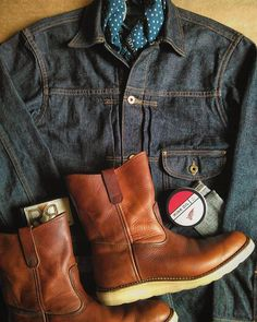 RRL & 70S' REDWING IRISHSETTER PECOS BOOTS  #rrl #doublerl #ralphlauren #redwing #redwings #redwingshoes #redwingboots #redwingheritage #madeinusa #vintage #pecos #pecosboots #denim #denimjacket #denimpants #vintagefashion #vintagestyle #mensfashion #icon #heritage #indigo #bandana