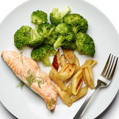 Salmon with Lemon and Dill http://www.womenshealthmag.com/weight-loss/healthy-dinner-recipes/slide/21