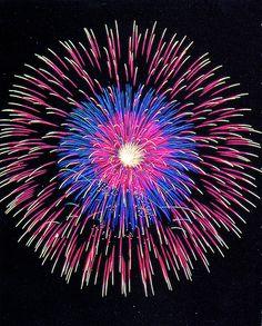 Multi-colour burst firework