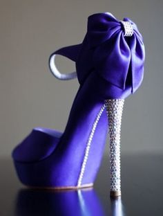 CHRISTIAN LOUBOUTIN ||= beautiful! Perfect for your wedding day!