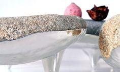 Boulder Plate pierres sur pieds par Andreu Carulla Studio