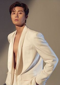 """""""long thread of park seojoon being, by any standard, one of the finest men to have ever walked this earth 🍓 in honor of taehyung's sweet night & itaewon class 🍰"""" Seo Kang Joon, Park Seo Joon Abs, Joon Park, Park Seo Jun, Korean Star, Korean Men, Witch's Romance, Park Seo Joon Instagram, F4 Boys Over Flowers"""