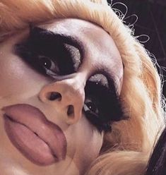 stepping to the plate it's trixie mattel Rupauls Drag Race Funny, Rupaul Drag Queen, Trixie And Katya, Reaction Face, Kawaii, Cursed Images, Wholesome Memes, Meme Faces, Stupid Memes