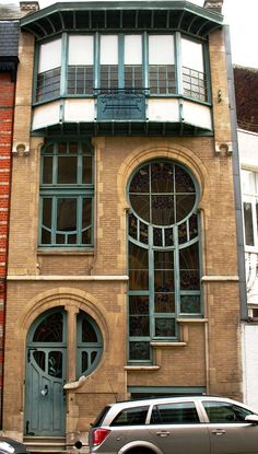 #ArtNouveau | House and studio, Rue du Lac 6, Brussels. Built by glass artist, Ernest De Lune, 1902.